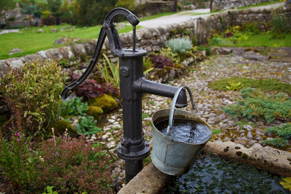 Если единственный источник воды находится на участке собственника, он обязан предоставить к нему доступ.