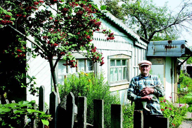 Прописаться на даче можно, только если помещение признано жилым и полностью соотвествует нормам.