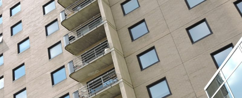 Как составить договор дарения доли в квартире?